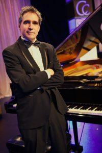 Pianist Vocalist Sings Sinatra